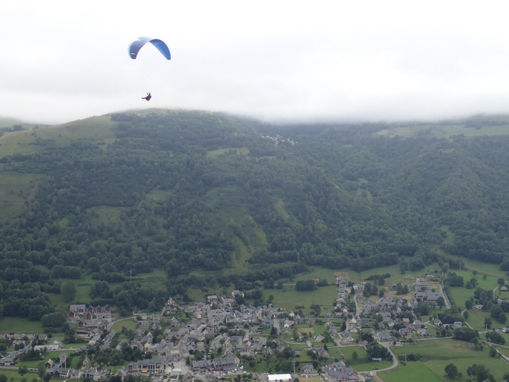 Coming down into Loudenville, popular parapenting centre.