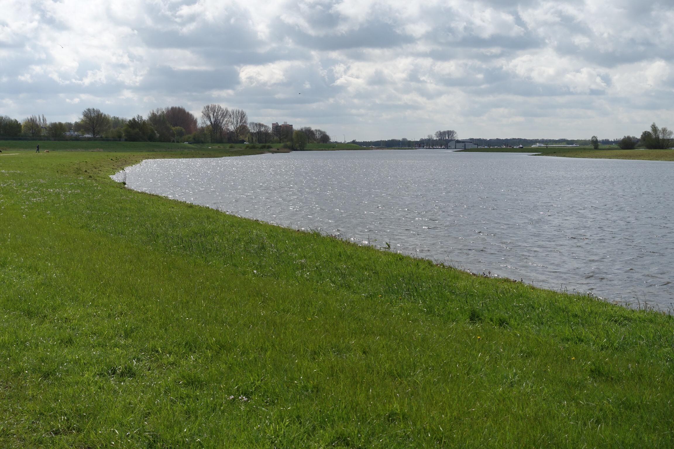 Bend in the river IJssel