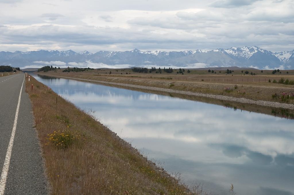 canal-lake-pukaki