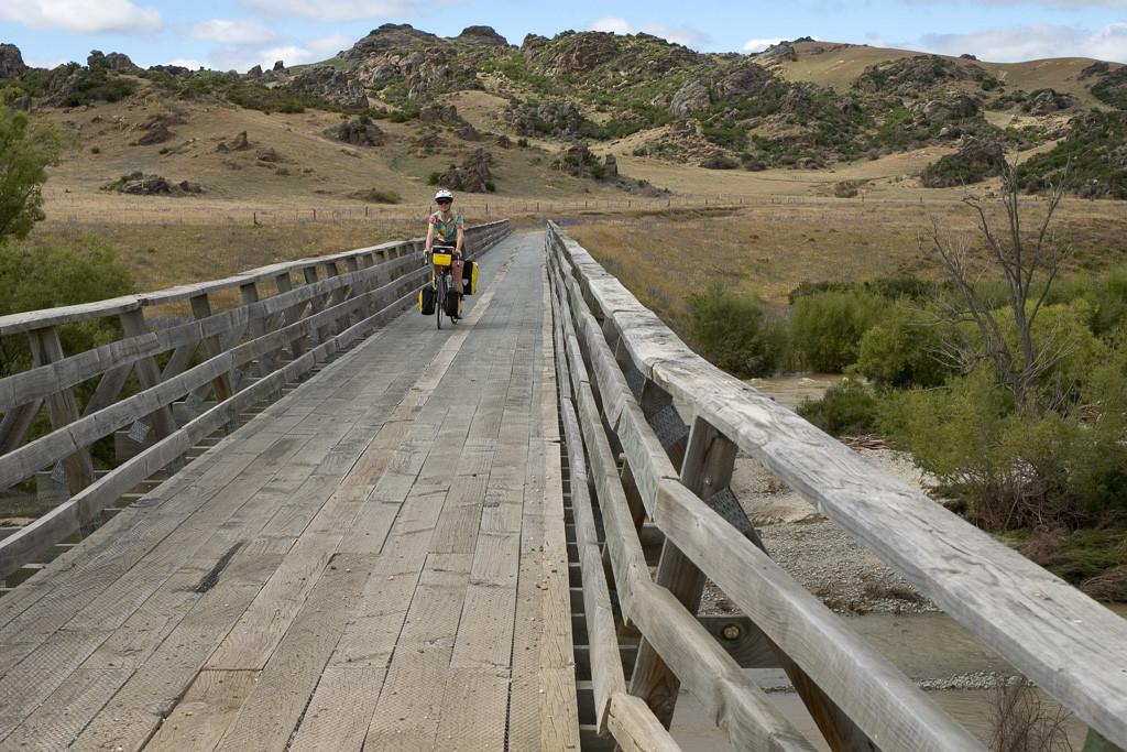 otago-rail-trail-bridge
